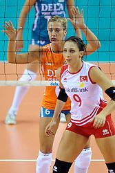 18-09-2011 VOLLEYBAL: DELA TROPHY NEDERLAND - TURKIJE: ALMERE<br /> Nederland wint met 3-0 van Turkije en wint hierdoor de DELA Trophy / (L-R) Maret Grothues, Ozge Cemberci Kirdar<br /> ©2011-FotoHoogendoorn.nl