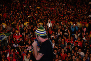Sao Paulo_SP, Brasil...Show do Jota Quest em comemoracao ao dia do trabalhador na Av. Paulita. Na Foto Rogerio Flausino...Jota Quest show in Labor Day celebration at Av Paulita. In this photo Rogerio Flausino...Foto: LEO DRUMOND / NITRO