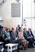 Koningin Maxima opent in het voormalige veevoederfabriek in s-Hertogenbosch het Social label Lab, een designlab voor sociale vernieuwing<br /> <br /> Queen Maxima opens the Social Lab label, a design lab for social innovation, in the former fodder factory in s-Hertogenbosch
