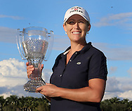 151122  Kristi Kerr holds the CME Tour Championship  Trophy on the 18th green at the conclusion of Sunday's Final Round of The CME Group LPGA Tour Championship at The Tiburon Golf Club, in Naples, Fl.(photo credit : kenneth e. dennis/kendennisphoto.com)