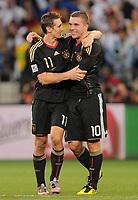 Fotball<br /> VM 2010<br /> Tyskland v Argentina<br /> 03.07.2010<br /> Foto: Witters/Digitalsport<br /> NORWAY ONLY<br /> <br /> Schlussjubel Deutschland v.l. Miroslav Klose, Lukas Podolski<br /> Fussball WM 2010 in Suedafrika, Viertelfinale Argentinien - Deutschland 0:4