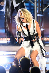 Carrie Underwood bei den 50. Country Music Awards in Nashville / 021116<br /> <br /> *** Country Music Awards 2016, Nashville, USA, November 2, 2016 ***