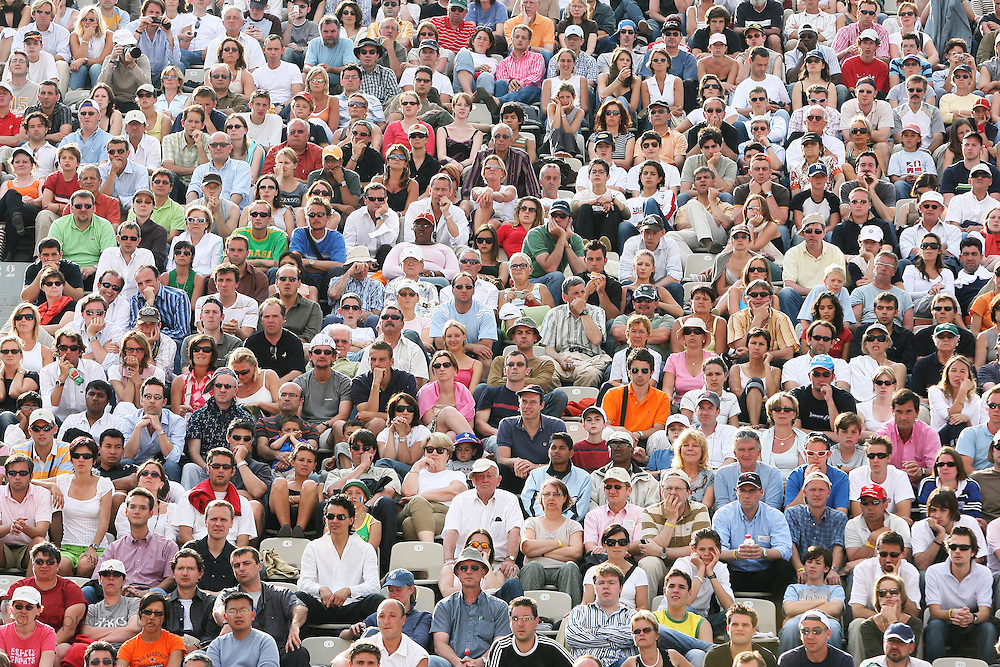 Roland Garros. Paris, France. June 5th 2006..The audience during the game opposing Gael Monfils and Djokovic.