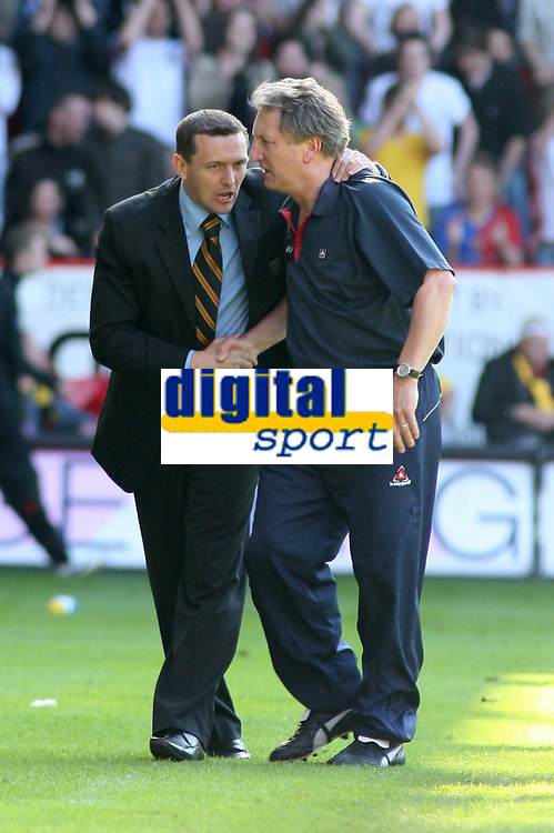 Photo: Mark Stephenson.<br /> Sheffield United v Watford. The Barclays Premiership. 28/04/2007.The two managers shake hands after the game