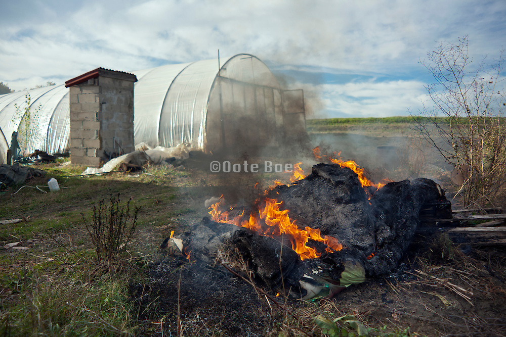waste burning by greenhouse France