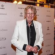 NLD/Amsterdam/20160322 - Sigaren locker Pr. Bernhard Sr. overdracht bij Huis Hajenius, Jan des Bouvrie