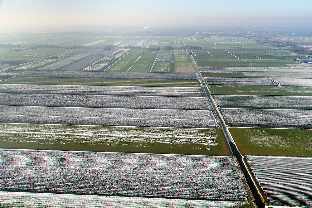 Nederland, Noord-Holland, gemeente Schermer, 28-10-2016; de regelmatige verkaveling van Polder De Schermer, een droogmakerij. Winterlandschap.<br /> Drained Lake Polder de Schermer.<br /> luchtfoto (toeslag op standard tarieven);<br /> aerial photo (additional fee required);<br /> copyright foto/photo Siebe Swart