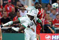 Fotball<br /> Tyskland<br /> Foto: Witters/Digitalsport<br /> NORWAY ONLY<br /> <br /> 15.09.2009<br /> <br /> v.l. Obafemi Martins, Grafite, Kevin McKenna Koeln<br /> <br /> Bundesliga 1. FC Köln - VfL Wolfsburg 1:3