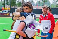 Rotterdam   -   Promotieklasse dames. Victoria promoveert naar de hoofdklasse  Lennard Poillot (Coach Victoria Dames 1) met Joelle Luijkx. COPYRIGHT KOEN SUYK