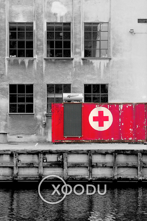 First aid box, Copenhagen, Denmark (December 2004)