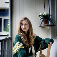 """Nederland, Amsterdam , 28 april 2011..Schrijfster Eveline Vreeburg, debutant van het literaire debut """"Onder Pseudoniem"""" uitgegeven door Prometheus..Foto:Jean-Pierre Jans"""