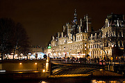 H(TM)tel de Ville by  river Seine, Paris, France