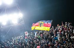 26.01.2016, Planai, Schladming, AUT, FIS Weltcup Ski Alpin, Schladming, Slalom, Herren, 2. Durchgang, im Bild Zuschauer schwingen eine deutsche Fahne // Spectors waves a German National Flag during the 2nd run of men's Slalom Race of Schladming FIS Ski Alpine World Cup at the Planai in Schladming, Austria on 2016/01/26. EXPA Pictures © 2016, PhotoCredit: EXPA/ Johann Groder