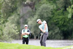 25.06.2015, Golfclub München Eichenried, Muenchen, GER, BMW International Golf Open, Tag 1, im Bild Stephan Jaeger (GER) beim Chip // during day one of the BMW International Golf Open at the Golfclub München Eichenried in Muenchen, Germany on 2015/06/25. EXPA Pictures © 2015, PhotoCredit: EXPA/ Eibner-Pressefoto/ Kolbert<br /> <br /> *****ATTENTION - OUT of GER*****
