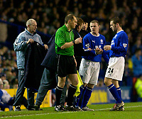 Photo. Jed Wee.<br /> Everton v Leicester City, FA Barclaycard Premiership, Goodison Park, Liverpool. 20/12/2003.<br /> Everton manager David Moyes makes an inspired substitution, and gives a few last instructions to Wayne Rooney as he replaces James McFadden (R).