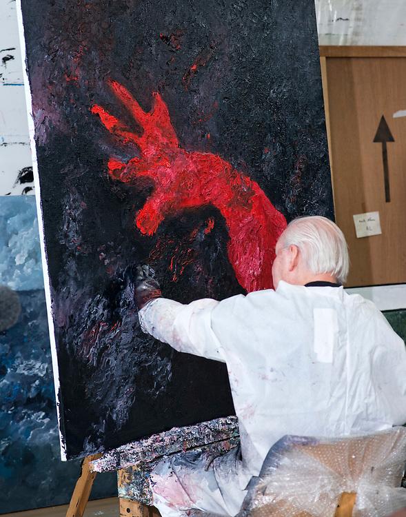 Nederland. Amsterdam, 05-03-2013. Foto: Patrick Post. Portret: Armando, geboren als Herman Dirk van Dodeweerd (Amsterdam, 18 september 1929) is een Nederlandse kunstschilder.