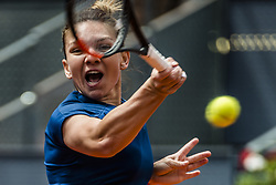 May 11, 2017 - Madrid, Madrid, Spain - SIMONA HALEP (ROU) returns the ball to Coco Vandeweghe (USA) in the quarter-final of the 'Mutua Madrid Open' 2017. Halep won 6:1, 6:1 (Credit Image: © Matthias Oesterle via ZUMA Wire)