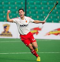 NEW DELHI - Mark Gleghorne van Engeland juicht  tijdens de derde poulewedstrijd in de finaleronde van de Hockey World League tussen de mannen van Engeland en Nieuw-Zeeland. ANP KOEN SUYK