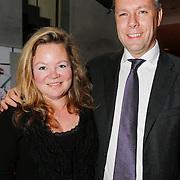 NLD/Den Haag/20130403 - Premiere de Huisvrouwenmonologen, columniste Sylvia Witteman en partner Philippe Remarque
