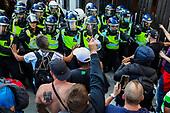 Police Scuffle with anti-vax Protestors