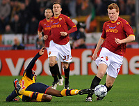 """diaby (arsenal) e riise (roma)<br /> Roma 11/3/2009 Stadio """"Olimpico"""" <br /> Champions League First Knockout round 2nd Leg """"2008/2009"""" <br /> Roma Arsenal 1-0 6-7 after penalties<br /> foto Massimo Oliva Insidefoto"""
