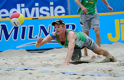 06-06-2010 VOLLEYBAL: JIBA GRAND SLAM BEACHVOLLEYBAL: AMSTERDAM<br /> In een koninklijke ambiance streden de nationale top, zowel de dames als de heren, om de eerste Grand Slam titel van het seizoen bij de Jiba Eredivisie Beach Volleyball - Alexander Brouwer<br /> ©2010-WWW.FOTOHOOGENDOORN.NL