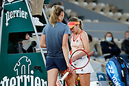 Fiona FERRO (FRA) and Sofia KENIN (USA) during the Roland Garros 2020, Grand Slam tennis tournament, on October 5, 2020 at Roland Garros stadium in Paris, France - Photo Stephane Allaman / ProSportsImages / DPPI