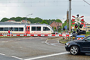 Nederland, Venlo,20-5-2015 Een rijdende, trein van vervoerder Veolia transport. Het bedrijf verzorgt de treinverbinding tussen Nijmegen en Roermond in Limburg. Foto: Flip Franssen/Hollandse Hoogte