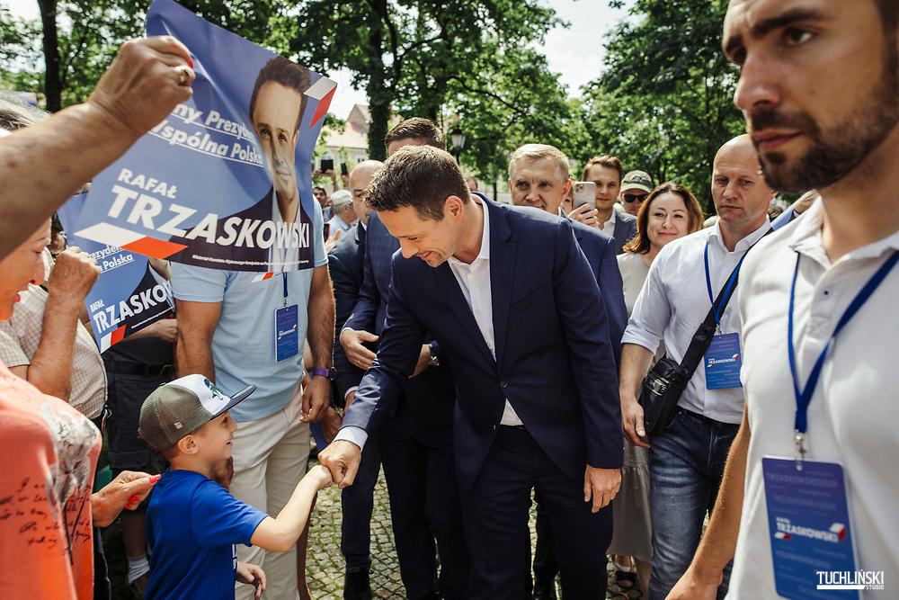Suwalki. Poland; 22.06.2020 <br /> Rafal Trzaskowski (C), the current Mayor of Warsaw and Civic Platform's candidate for Presidency of Poland, seen during his visit to Suwalki. <br /> Photo by Adam Tuchlinski for Die Zeit