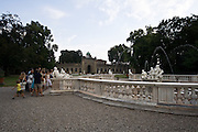 Visite guidate nei pressi della fontana di Galatea, nel parco della villa Litta di Lainate...The Galatea fountain in the park of Villa Litta Borromeo in Lainate