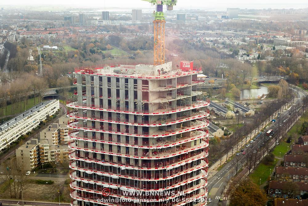 NLD/Amsterdam/20171123 - Amsteltoren Amsterdam in aanbouw