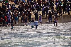 HUNTINGTON BEACH, California/USA (Friday,Aug 5, 2011) 10-Time ASP World Champion Kelly Slater (Cocoa Beach, FL), 39, is welcome by fans after an spectacular aerial during his heat friday at noon at  the U.S. Open of Surfing 2011. Photo: Eduardo E. Silva.