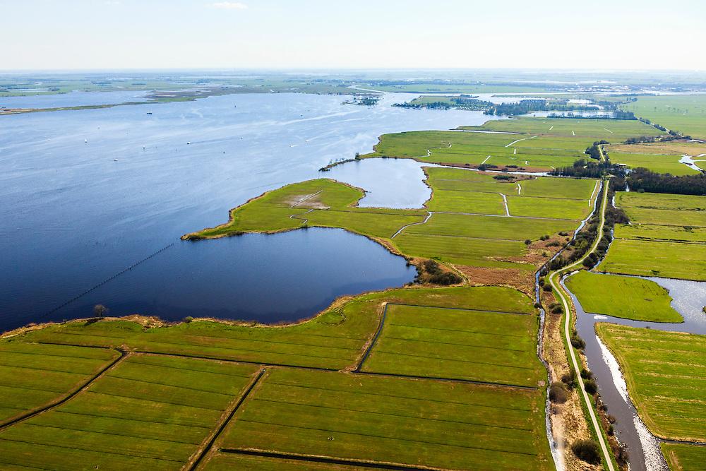 Nederland, Friesland, Gemeente Boornsterhem, 01-05-2013; Groene Dijk (Grienedyk), waterkerende dijk, tussen Sneek en Akkrum. Sneekermeer in de achtergrond.<br /> The Groene Dijk (Green Dike) in the north of the Netherlands. Sneekermeer (lake) in the back.<br /> luchtfoto (toeslag op standard tarieven)<br /> aerial photo (additional fee required)<br /> copyright foto/photo Siebe Swart
