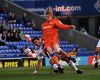 Photo: Tony Oudot/Richard Lane Photography. Crystal Palace v Reading. Coca-Cola Football League Championship. 21/03/2009. <br /> Dave Kitson of Reading is brought down in the area by Jose Fonte of Palace but the penalty is not given