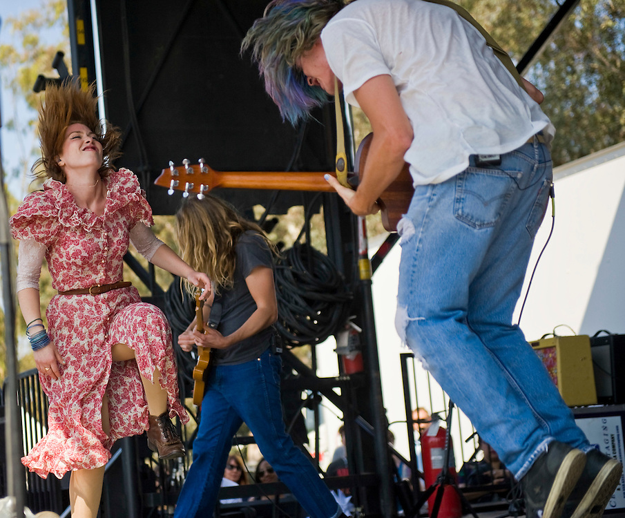 Grouplove members Hannah Hooper and Christian Zucconi perform on the second stage during the KROQ Weenie Roast y Fiesta Saturday.