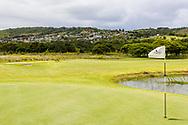 08-11-2017 Foto's genomen tijdens een persreis naar Buffalo City, een gemeente binnen de Zuid-Afrikaanse provincie Oost-Kaap. Olivewood Private Estate - Golf Club - Uitzicht op township