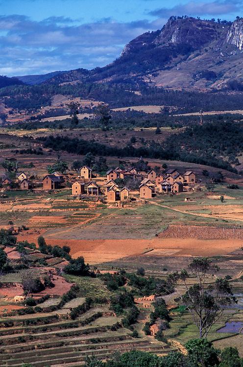 The Fianarantsua Highlands Poverty is rife in the Fianarantsua Highlands of Madagascar