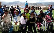 Abril y Mayo 2011/Bolivia<br /> Fanáticos de la Lucha Libre como Mujeres típica de Bolivia conocidas como Cholitas y niños gritan entretenidamente al observar la lucha<br /> <br /> Foto:Juan Gonzalez