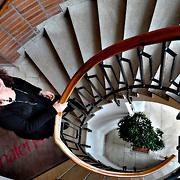 Pernilla Scropeta i trappuppgången på Halens i Borås.