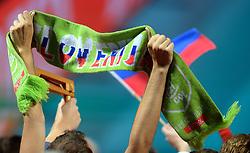 28-09-2015 NED: Volleyball European Championship Polen - Slovenie, Apeldoorn<br /> Polen wint met 3-0 van Slovenie / Support Slovenia, sjaal publiek