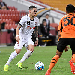 BRISBANE, AUSTRALIA - FEBRUARY 21: Tristan Do of Muangthong United in action during the Asian Champions League Group Stage match between the Brisbane Roar and Muangthong United FC at Suncorp Stadium on February 21, 2017 in Brisbane, Australia. (Photo by Patrick Kearney/Brisbane Roar)