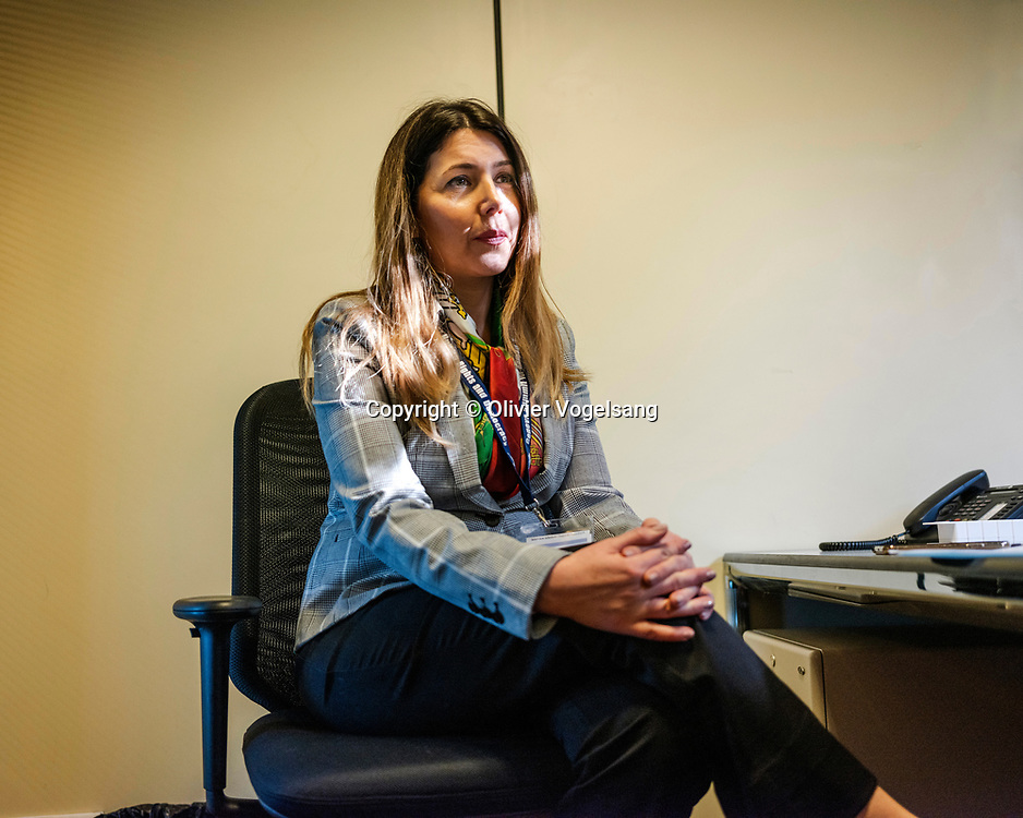 Genève, février 2020. CICG.. Centre international des conférences de Genève. Shaparak Shajarizadeh,  iranienne a été condamné à deux ans de prison par les mollahs pour avoir enlevé son foulard. © Olivier Vogelsang