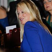 """NLD/Volendam/20121018 - Boekpresentatie """" Het geheim van de Smit, partner Liza Smit - Plat"""