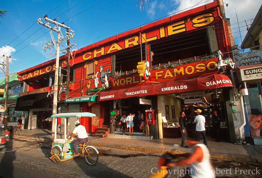 MEXICO, YUCATAN, COZUMEL San Miguel, Carlos-Charlie's restaurant