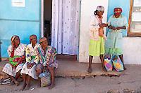 Madagascar. Ambositra. Ville Betsileo. Marche dans la rue principale. // Madagascar. Ambositra, Betsileo city. Local market.