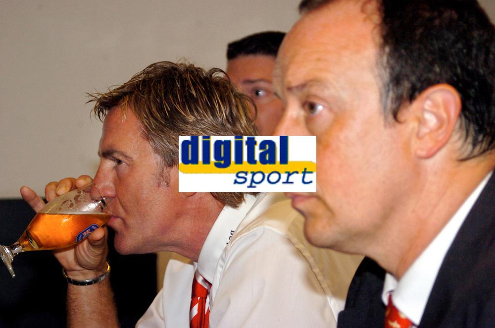 ◊Copyright:<br />GEPA pictures<br />◊Photographer:<br />Andreas Troester<br />◊Name:<br />Benitez<br />◊Rubric:<br />Sport<br />◊Type:<br />Fussball<br />◊Event:<br />UEFA Champions League Qualifikation, GAK Graz vs FC Liverpool, Pressekonferenz<br />◊Site:<br />Graz, Austria<br />◊Date:<br />10/08/04<br />◊Description:<br />Trainer Walter Schachner (GAK), Trainer Rafael Benitez (Liverpool)<br />◊Archive:<br />DCSTR-100804818<br />◊RegDate:<br />10.08.2004<br />◊Note:<br />9 MB - MP/KI