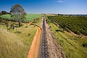 Nova Ponte_MG, Brasil...Paisagem em Nova Ponte com ferrovia e agricultura...The landscape in Nova Ponte with railroad and agriculture...Foto: LEO DRUMOND / NITRO