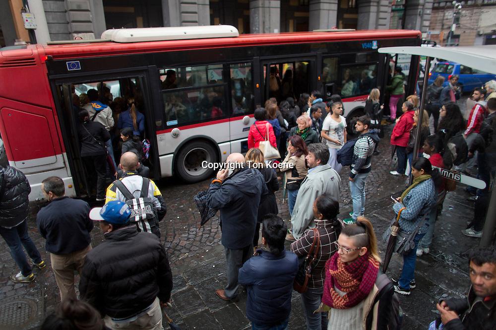 public transport in naples