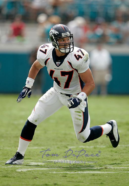 Denver Broncos John Lynch plays in an NFL game against the Jacksonville Jaguars.<br /> (Tom DiPace)