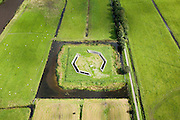 Nederland, Zuid-Holland, Polder Achthoven, 08-09-2006. Boortunnel HSL onder het Groene Hart; ventilatievoorziening voor de geboorde tunnel; .zie ook panorama foto's van deze lokatie; deel van de serie Panorama Nederland..Drilled tunnel right through the Green Heart of the Netherlands. Panorama photos available, part of the series Panorama Nederland (major infrastucture photo project)..luchtfoto (toeslag); aerial photo (additional fee required); .foto Siebe Swart / photo Siebe Swart